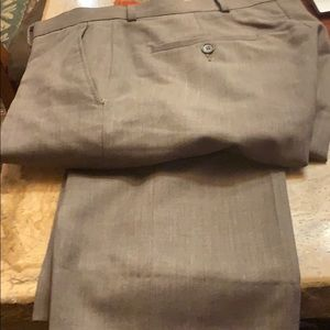 Men's size 31/33 Kenneth Cole dress pants